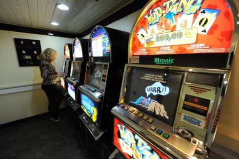 Игровые автоматы не играть бесплатно в онлайн казино книжки
